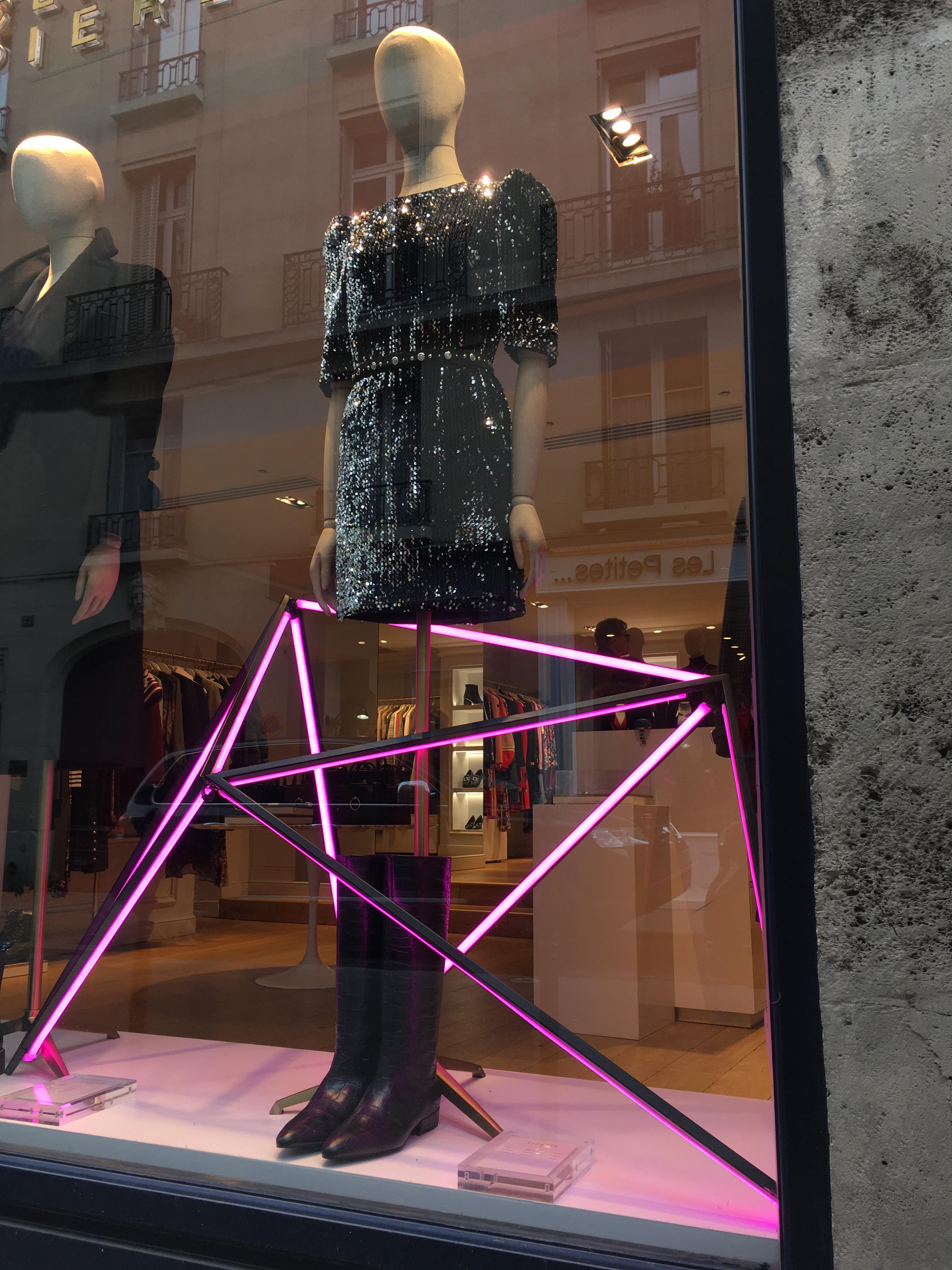 Agence retail design SAÏNKO scénographie vitrine