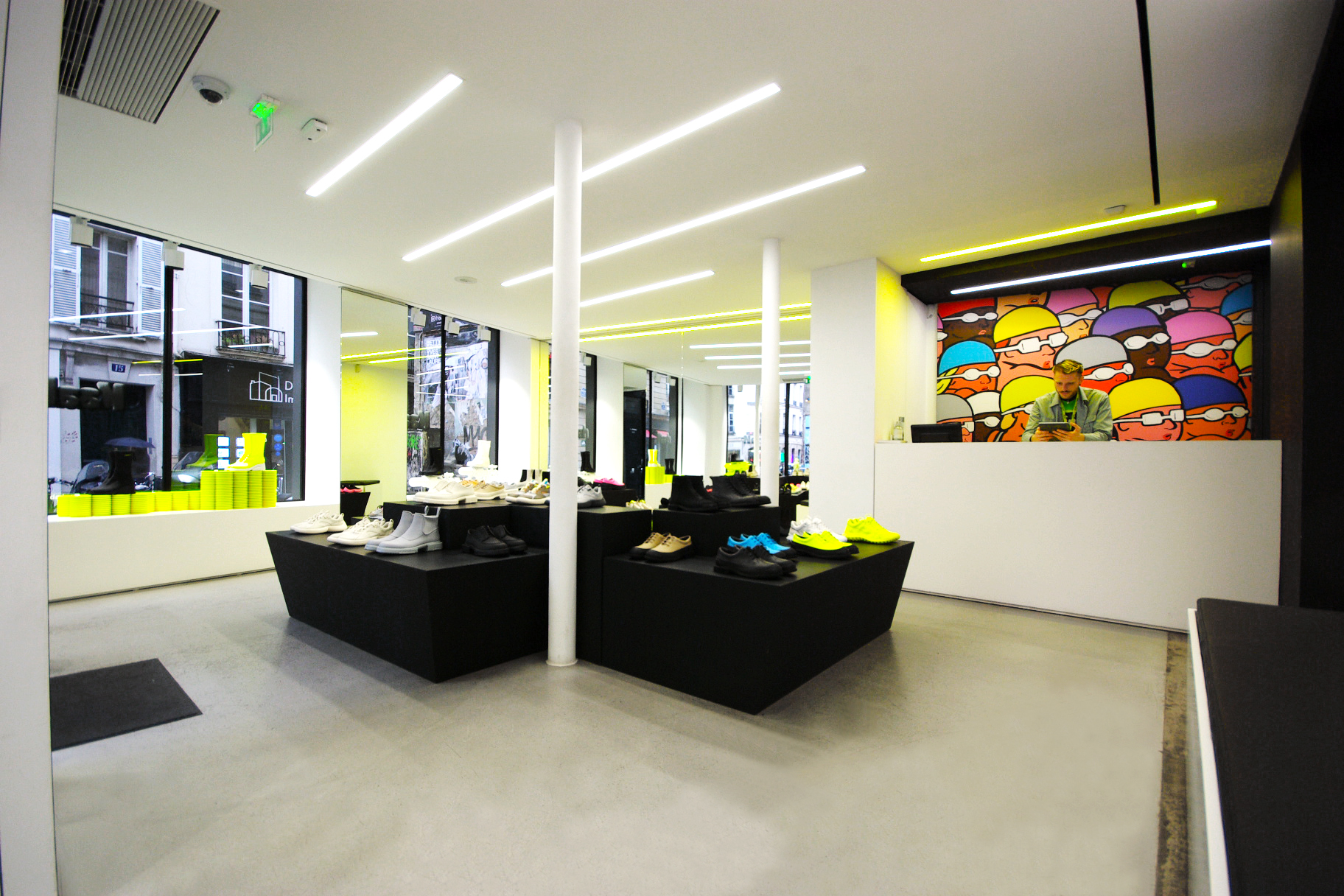 Agence retail design fabrication décor vitrine